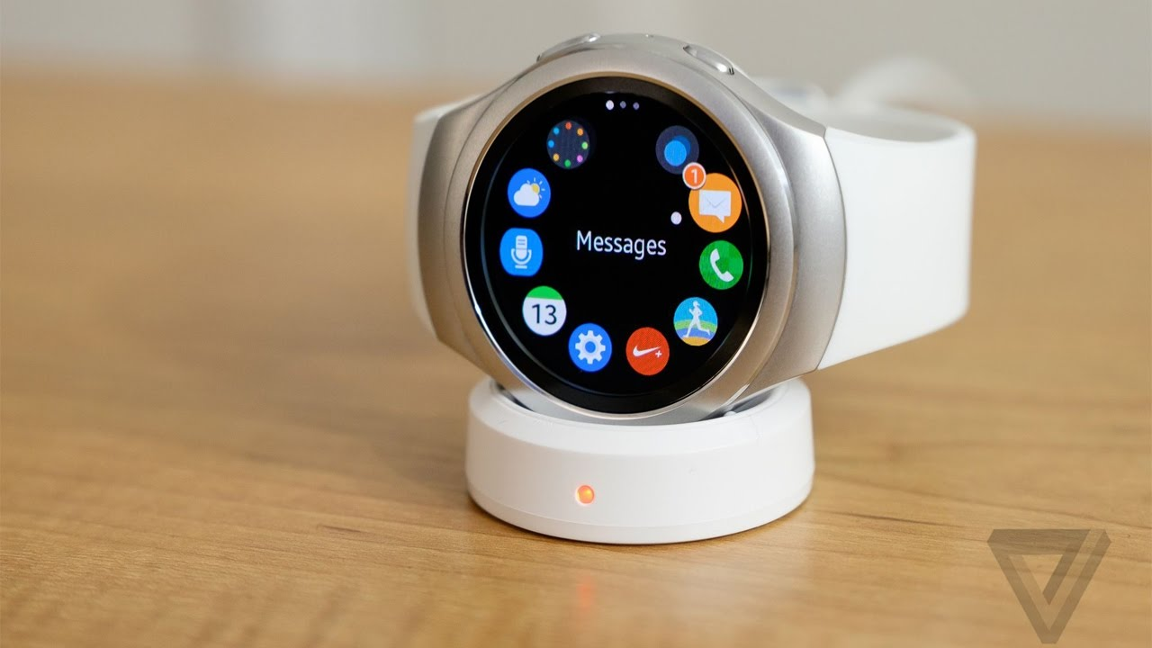 TOP 5 Best Futuristic Smart Watches You Can Buy in 2016 ...