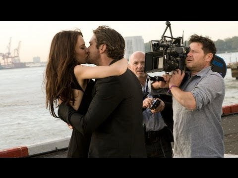 "Gerard Butler ""Making of"" Men Expert L"