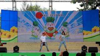 WE DO NOT OWN THE COPYRIGHT TO THIS MUSIC. A dance team from Vietna...
