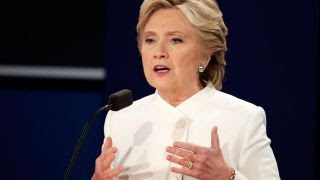 Clinton struggles to answer Clinton Foundation questions