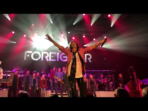 Foreigner w The Dave Eggar Orchestra: I Want To Know What Love Is —  Duluth, MN — 4418