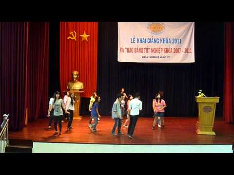 Flashmob Dream High ĐH Huflit