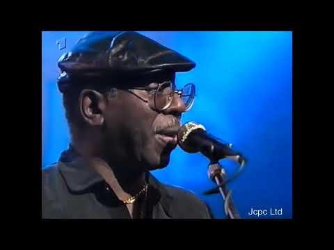 Curtis Mayfield - Live in Concert Baden Baden Germany 1990