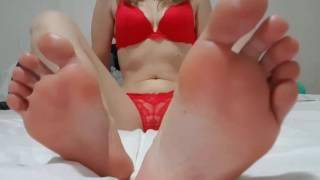 Foot Beauties - 'cdnsweetfeet' Bed Play