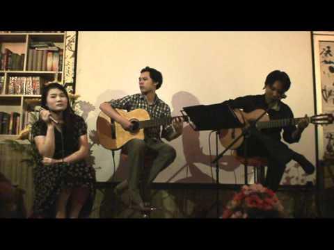 Thành phố tình yêu và nỗi nhớ - Đinh Vân Anh - Nghiêm hoa quán 80/30 Chùa Láng