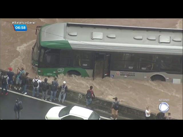 Rodízio é suspenso e congestionamento em SP