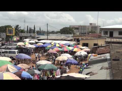 Le marché de Kara (Togo) - The market of Kara (Togo)