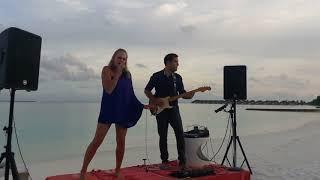 Robyn | Female Vocalist | Dubai # 1 ent. booking agency | 33 Music Group | Scott Sorensen