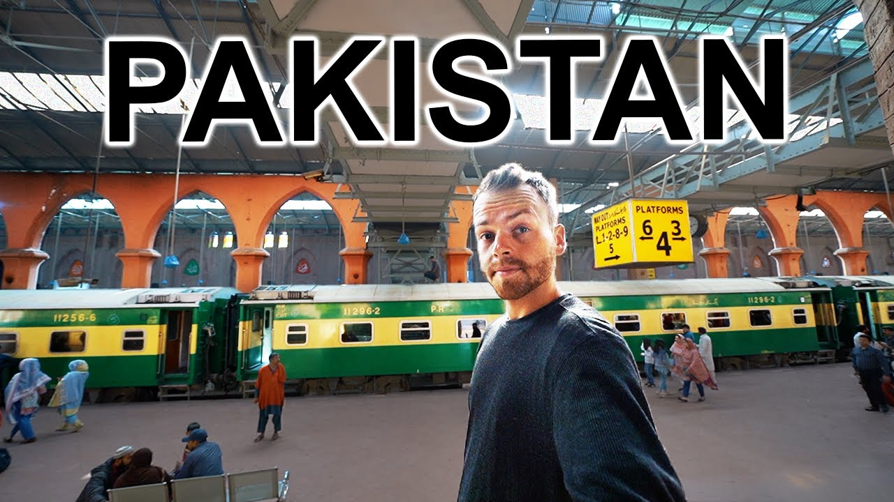 24 HOUR TRAIN IN PAKISTAN (Extreme Travel Pakistan)