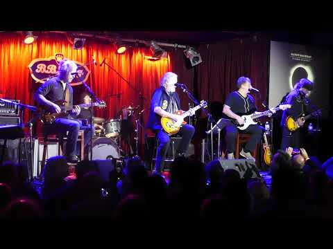 Tal & Randy Bachman Performing She's So High/You Ain't Seen Nothing Yet at B.B. Kings