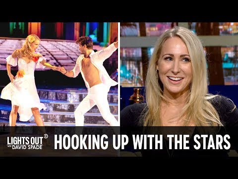 "Download Nikki Glaser Spills ""Dancing with the Stars"" Secrets - Lights Out with David Spade Mp4 baru"