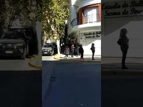 Largas filas para comprar cigarrillos en Villa María