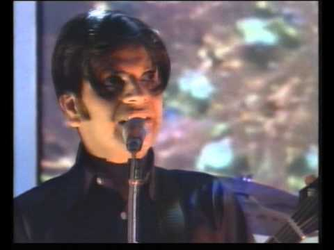 Cornershop with Brimful of Asha on TOTP in 1998