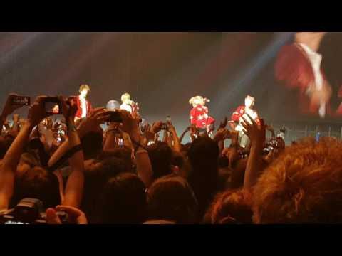 BTS Wings Tour in Brazil 2017.03.19 - Medley (N.O, No More Dream, Boy in Luv, Danger, Run)