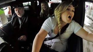 Kelly Clarkson Surprise Concert in Car for Strangers!