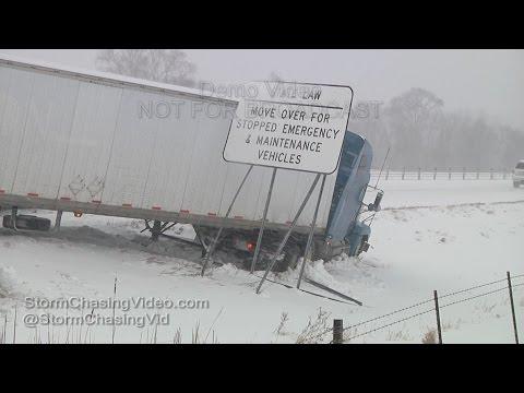 Southern Minnesota Blizzard on Interstate 35 - 2/2/2016