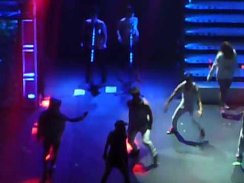 Lali bailando hip hop