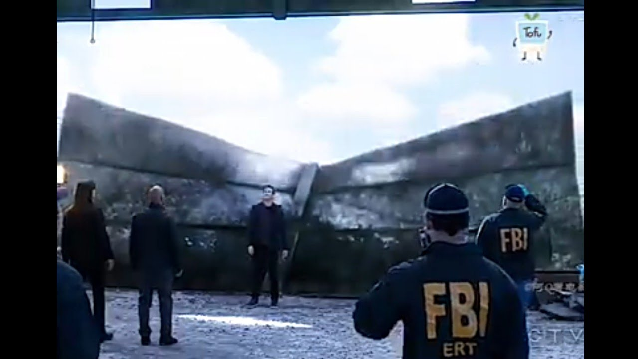 Download Deception- Magician explains FBI how plane was disappeared