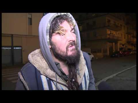 Arezzo, vivere al gelo sulla strada: la storia di Michele