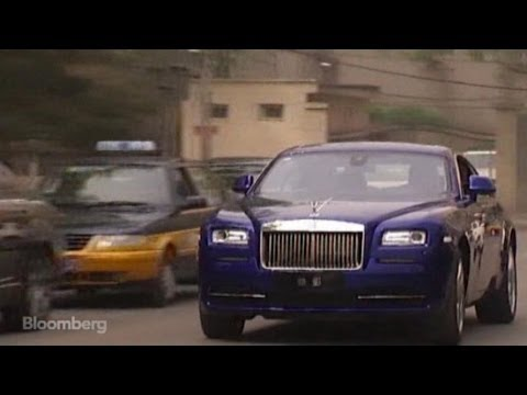 Test Driving $770K Rolls-Royce on Beijing's Streets