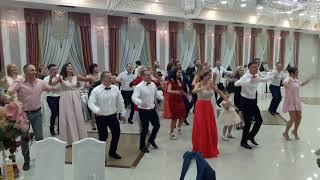 Самый прикольный танец на свадьбе.