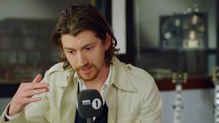 Baixar Arctic Monkeys Alex Turner BBC Radio 1 Interview - 10th May 2018