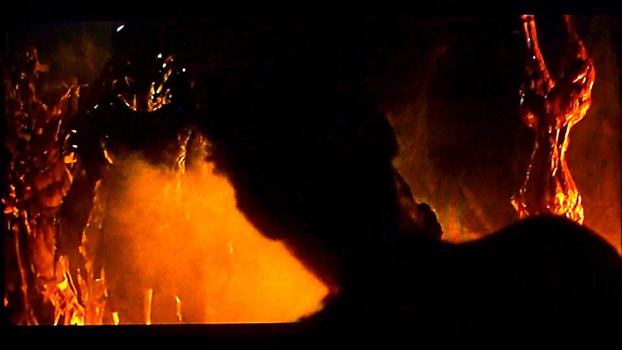 PREDATORS : Scene Royce vs Berserker Predator - YouTube