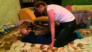 Как научить ребенка ползать(, 2015-03-25T20:21:01.000Z)
