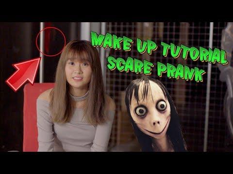 MOMO MAKE UP + SCARE PRANK