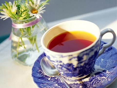 Почему от черного чая болит желудок