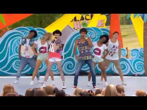 Kolton & Charlie  Lips Are Movin Meghan Trainor cover Live at YTV Summer Beach Bash II