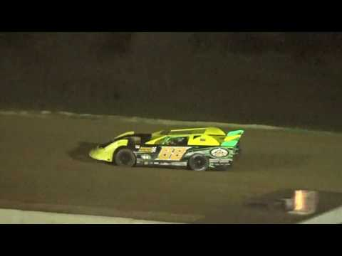 WORLD CHAMPIONSHIPS MAKE-UP RACE from Dec 28th. Winner #68 Calvin Cook took the lead on the white flag. - dirt track racing video image