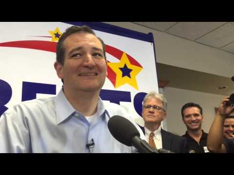 Ted Cruz campaigns For Pat Roberts