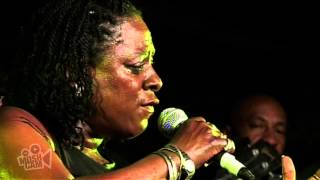 Sharon Jones & The Dap-Kings - Let Them Knock (Live in Sydney) | Moshcam