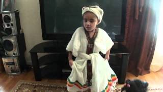 5 Years Old Ethiopian Kid Dancing Eskista - የ5 አመቷ ኢትዮጳዊት ሕፃን እስክስታ ስትጨፍር
