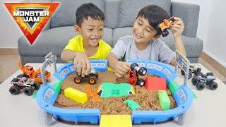Download Seru Banget Mainan Monster Jam Dirt Arena Playset! 😱😱 - Superduper Ziyan