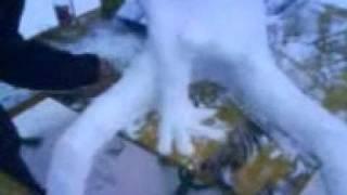 Porn snowman with a hand in asshole (Порноснеговик с рукой в попе)
