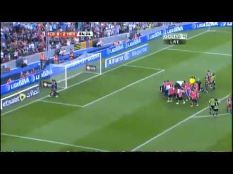 Gerard Piqué: Recibe golpe sangriento contra el arquero del Hércules!