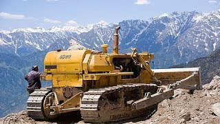 World Dangerous Idiots Bulldozer Heavy Equipment Operator Skill - Fastest Climbing Bulldozer Driving