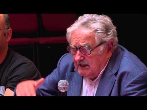 """Mujica """"No somos carcelarios de nadie quien quiera venir acá, que venga"""" 17-12-14"""