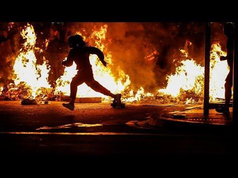 ليلة ليلاء رابعة من الاشتباكات في برشلونة والحركة الانفصالية تؤكد نبذها للعنف…  - نشر قبل 39 دقيقة
