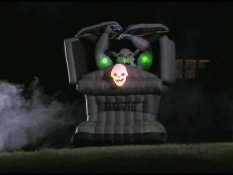 Outdoor inflatable halloween decorations - Grandin Road Halloween Animated Inflatable Gargoyle