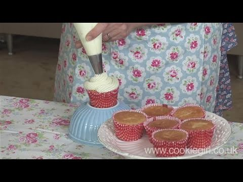 How To Use Different Nozzles For Icing Cakes - YouTube