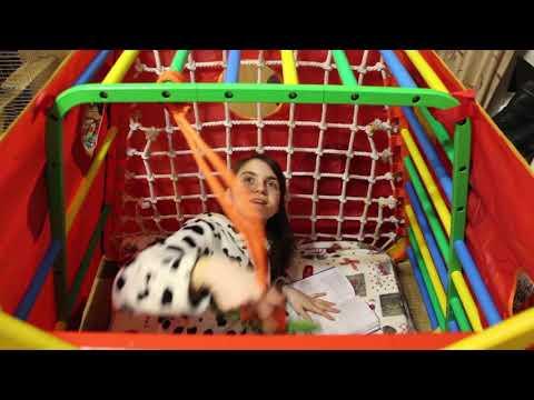 VLOG Катя поселилась в 'Вырастайке'. Смешная маска для лица.