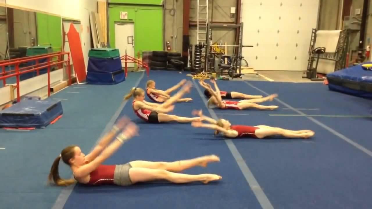 Видео как прыгают гимнасты художницы на тренировка — photo 8