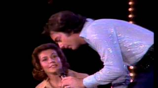 "Neil Diamond live, 1976, ""Song Sung Blue"""