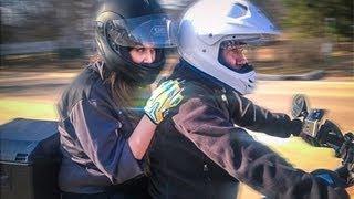 Сергей Кристовский прокатил CARенину на мотоцикле