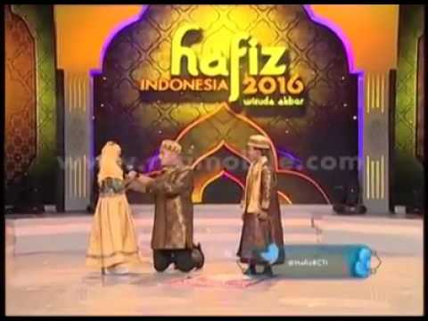 Beautiful recitation of Surah al-Rahman by a partially blind girl in Indonesia