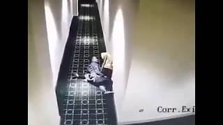 Tertangkap Kamera CCTV Pasangan Ini SEDANG MESUM DI LORONG SEPI???