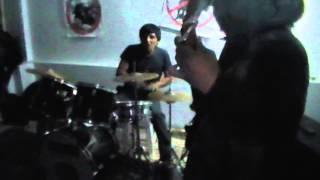 PeRRo EnVeNeNaDo - (MOSH POGO Y SLAM EN LOS ANDES 22/06/13)